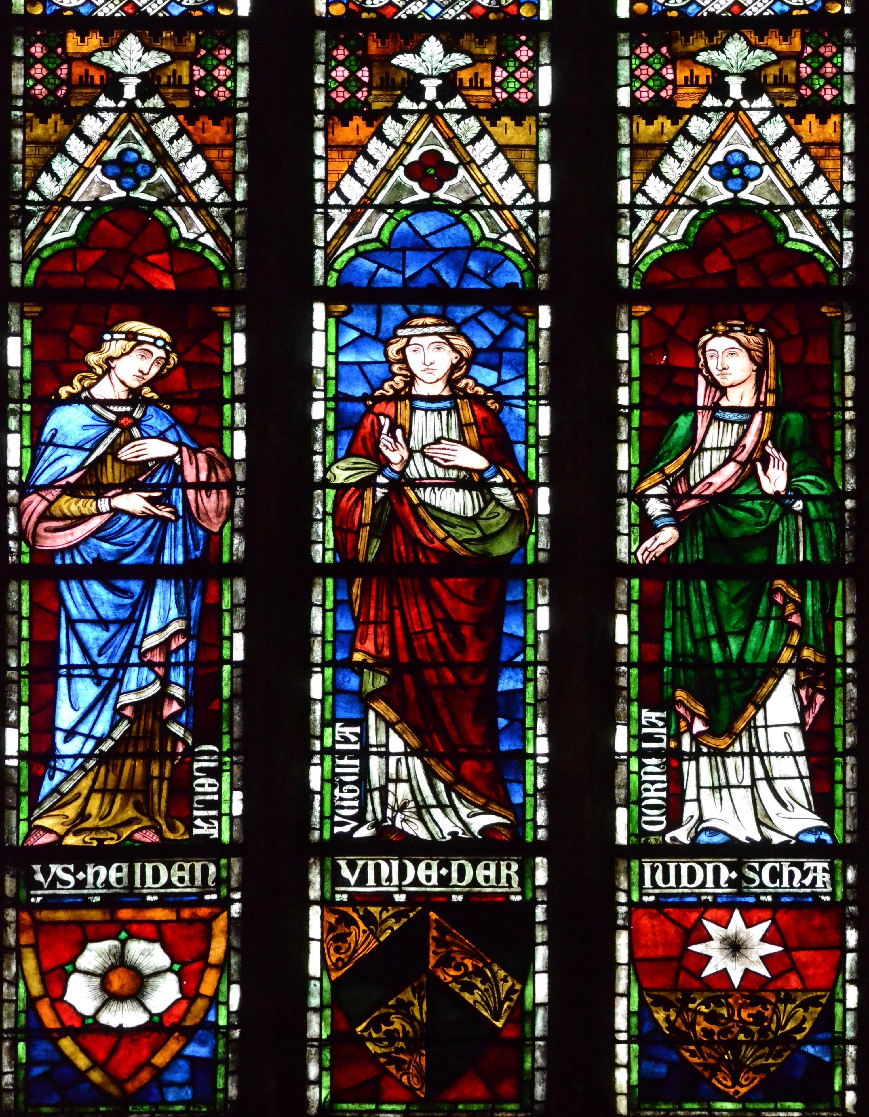 Les vitraux de Saint Pierre le Jeune