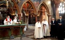 Prier avec la Communion Saint Michael